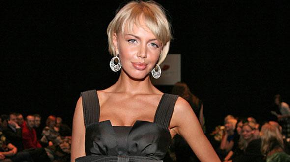 Маша Малиновская - ведущая на праздниках, конферансье. Об артисте.