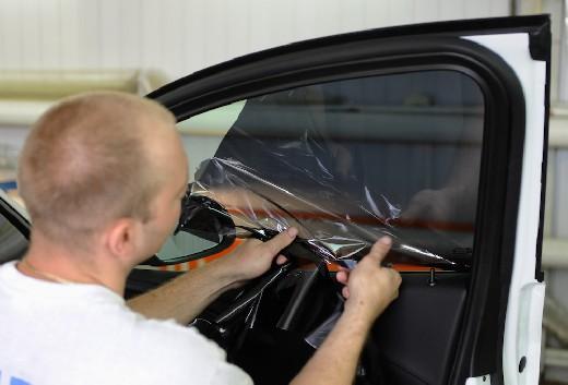 В Госдуме предложили отменить штрафы за тонировку стекол автомобиля