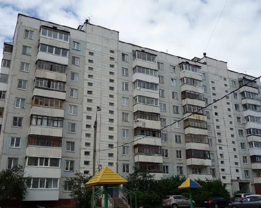 Жители смоленской многоэтажки недовольны проведенным ремонтом