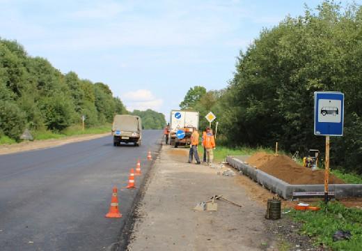 Активисты провели проверку качества ремотных работ на дорогах Смоленщины