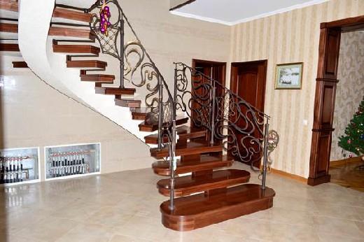 Винтовые лестницы на заказ Купить деревянную винтовую